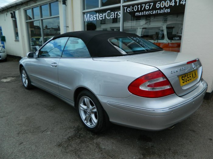 2005/55 Mercedes CLK320 Avantgarde 3.2 Auto Cab 69378 mls For Sale (picture 3 of 6)