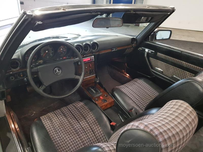 Mercedes-Benz 280SL 1982  For Sale by Auction (picture 3 of 6)