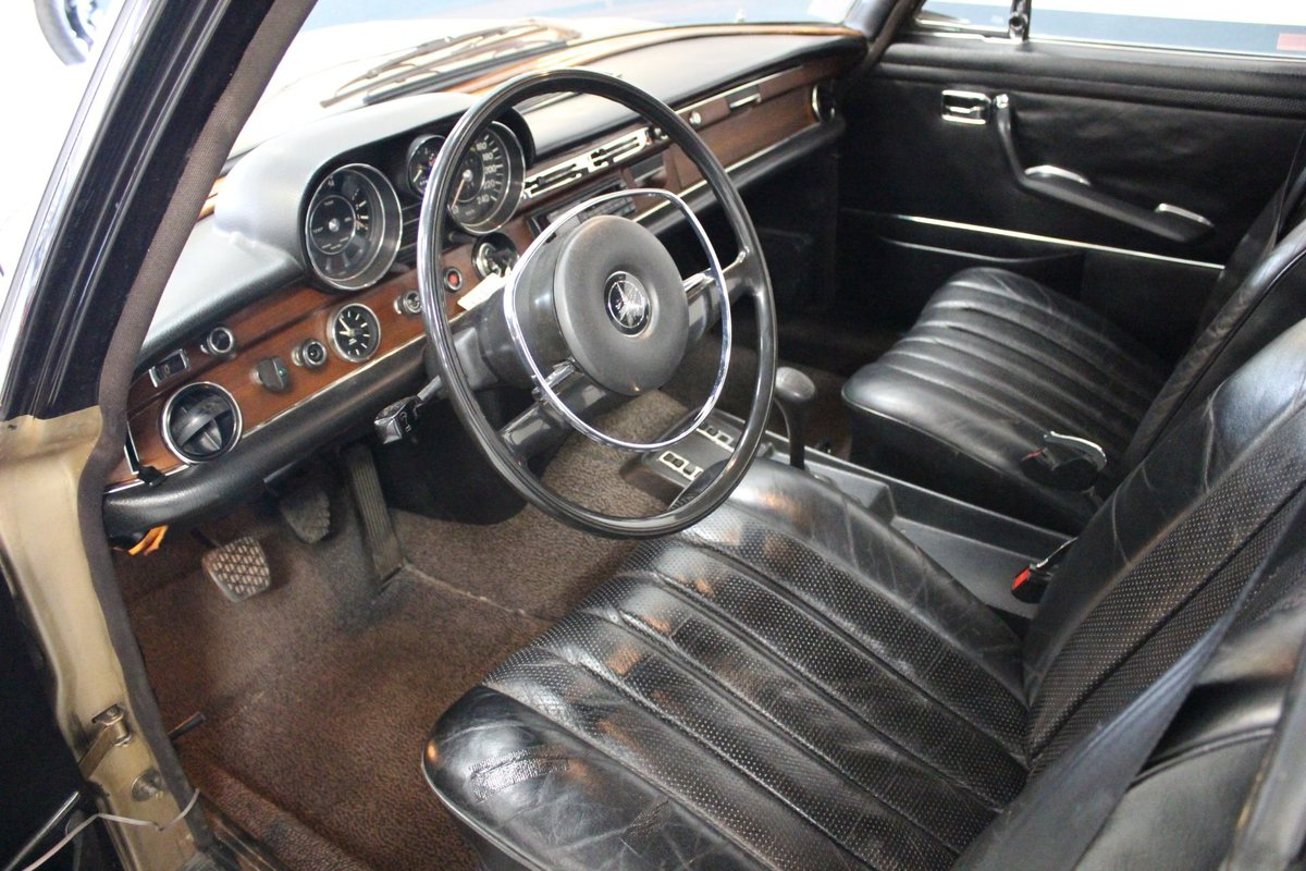1971 Mercedes 280SEL 3,5 V8 mechanical gearbox For Sale (picture 3 of 6)