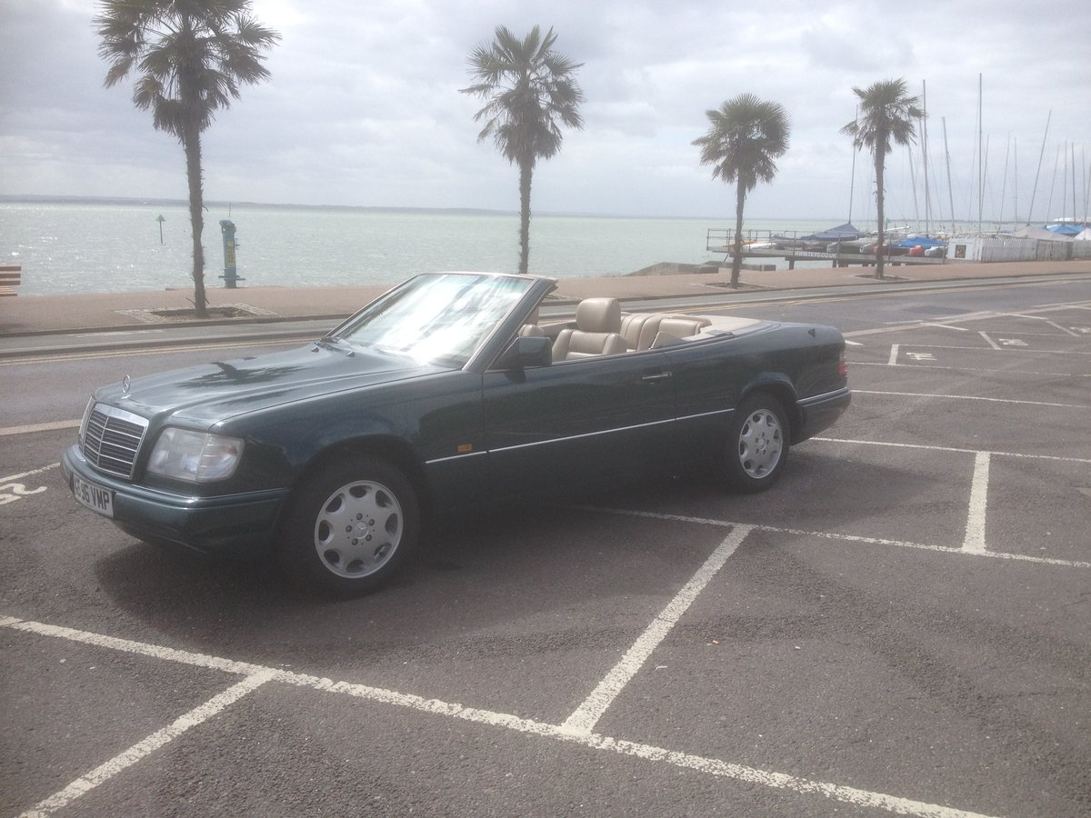 1995 E220 CABRIOLET 89000 ,HISTORY. For Sale (picture 1 of 6)