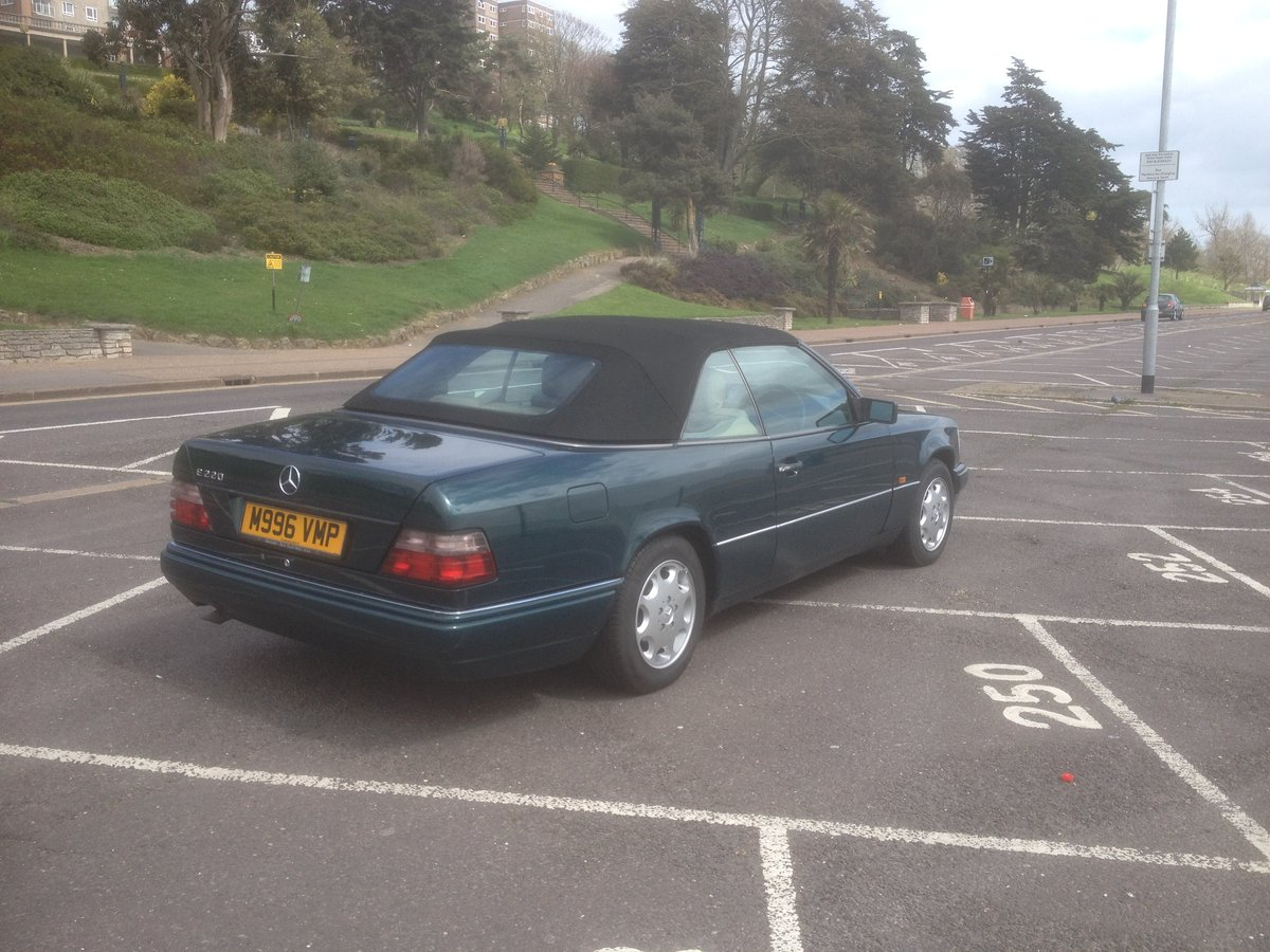 1995 E220 CABRIOLET 89000 ,HISTORY. For Sale (picture 2 of 6)