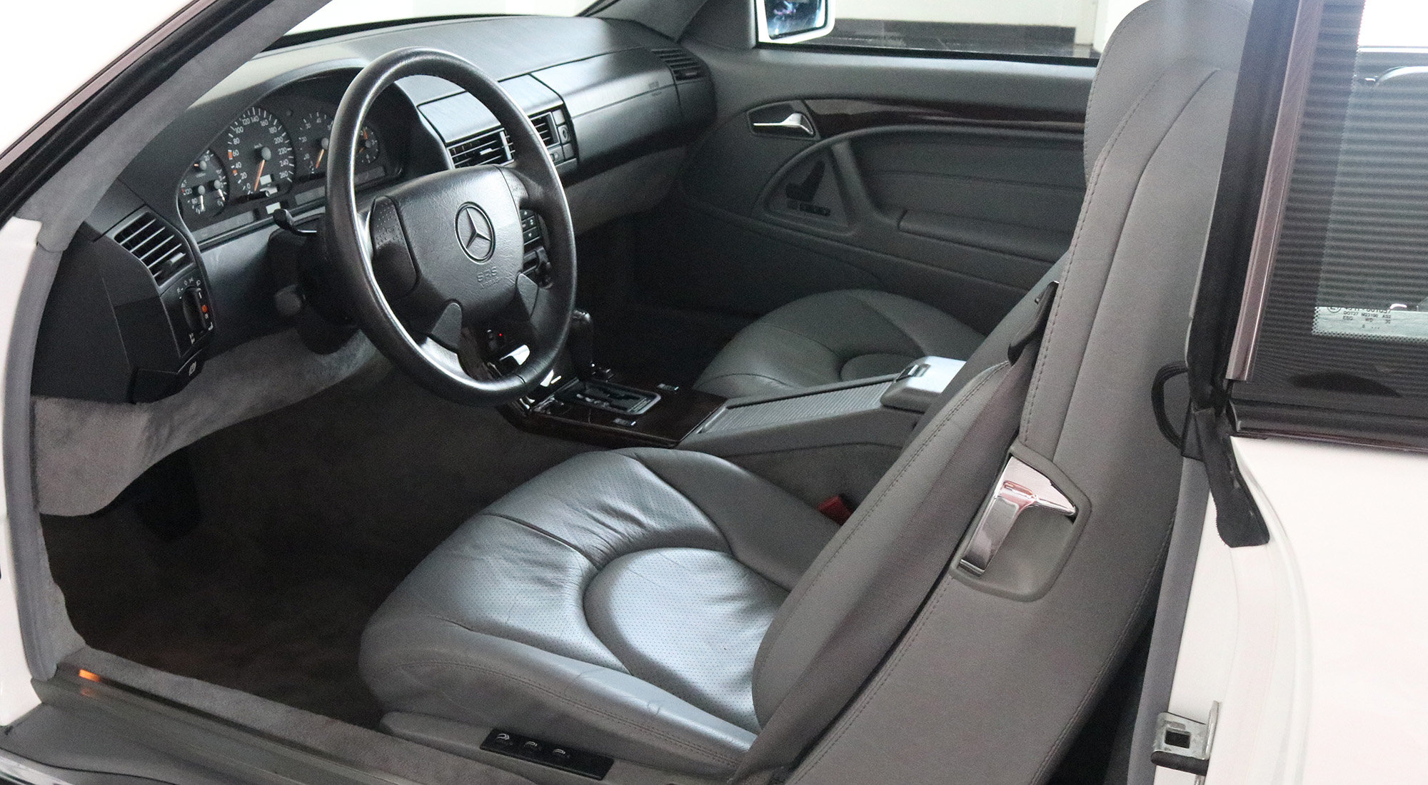 Mercedes-Benz SL500 (1996) For Sale (picture 5 of 6)