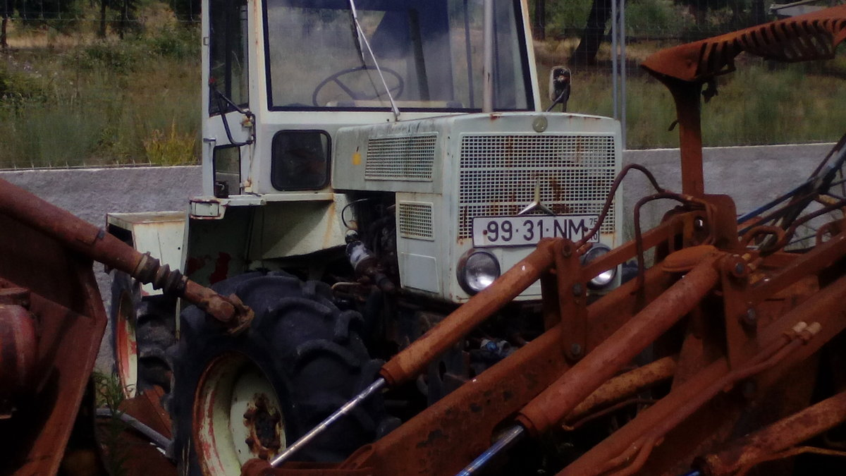 1975 Mercedes tractor For Sale (picture 1 of 1)