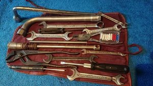 Original Mercedes Benz tool kit w123 w124 w126 w10
