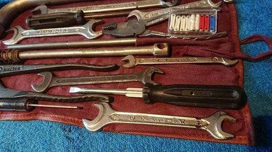 Original Mercedes Benz tool kit w123 w124 w126 w10 For Sale (picture 2 of 6)