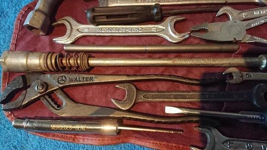 Original Mercedes Benz tool kit w123 w124 w126 w10 For Sale (picture 4 of 6)