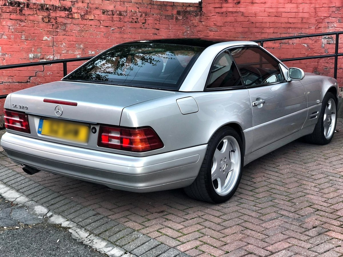 1998 Mercedes SL320 with FSH + Panoramic Roof SOLD (picture 2 of 6)