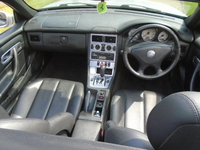 2003 Mercedes SLK 200 Kompressor, folding hard top.  For Sale (picture 5 of 6)