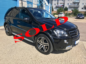 Picture of 2010 Mercedes Benz AMG ML63 V8 6.3L FMBSH 1 OWNER FROM NEW  SOLD