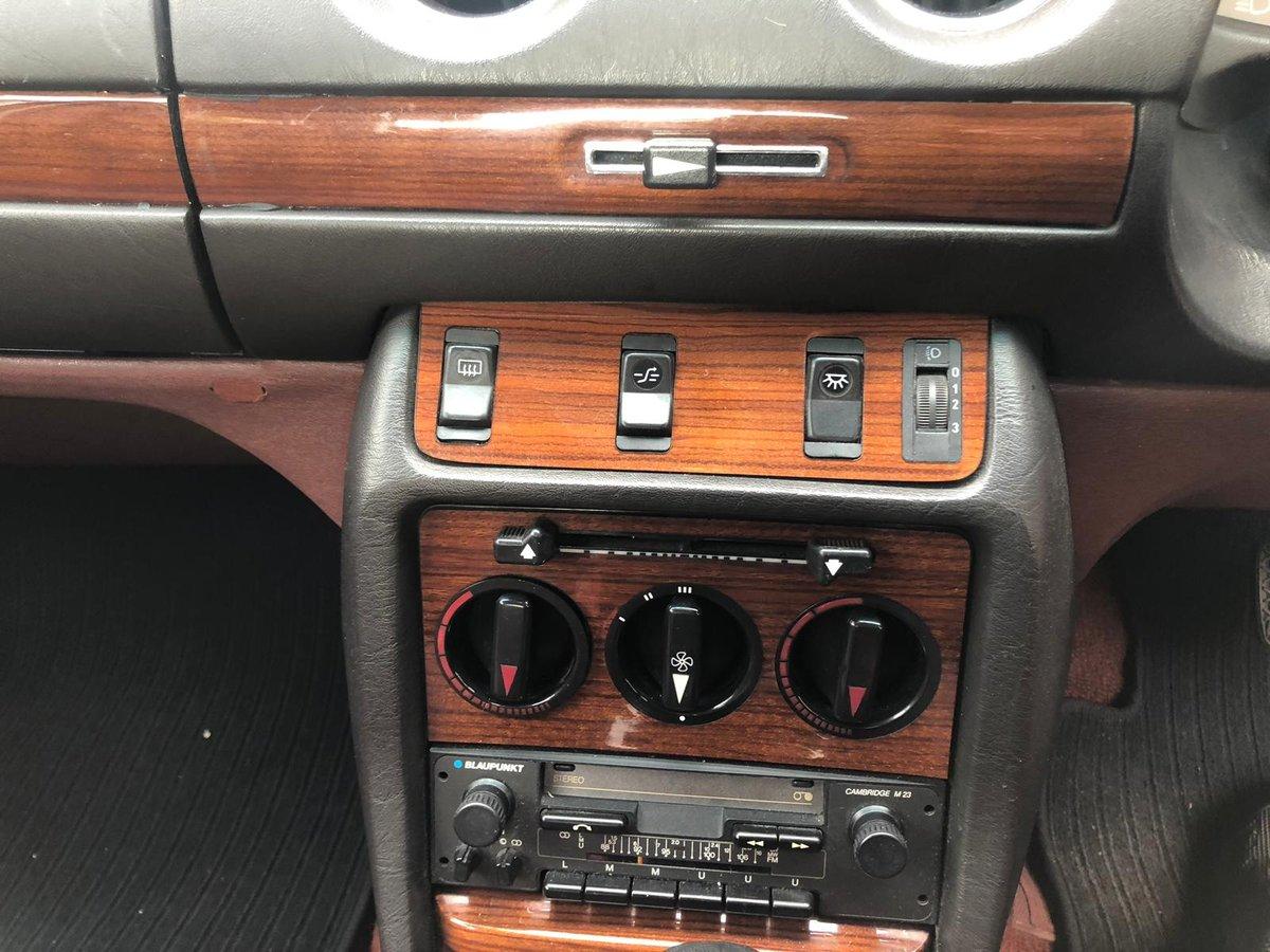 1985 Mercedes 230e w123  For Sale (picture 5 of 6)