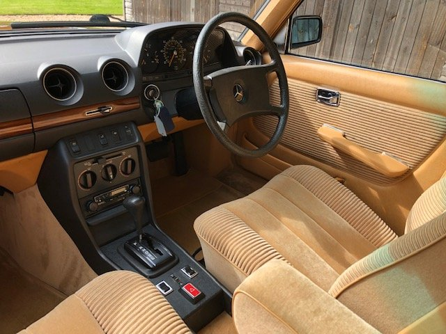 1980 Mercedes 280E ( 123-series )  For Sale (picture 4 of 6)