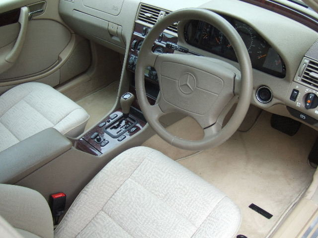 1998 Mercedes C240 Elegance genuine 4360 miles from new For Sale (picture 5 of 6)