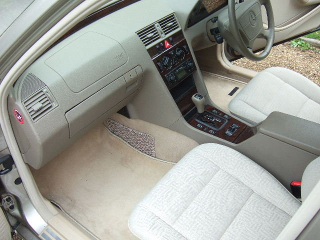 1998 Mercedes C240 Elegance genuine 4360 miles from new For Sale (picture 6 of 6)