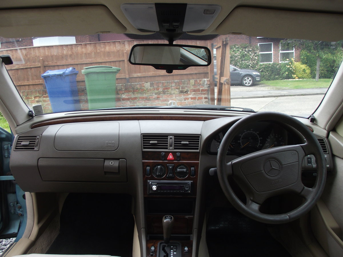 1996 Mercedes-Benz C180 Elegance w202 Auto 1.8 For Sale (picture 5 of 6)