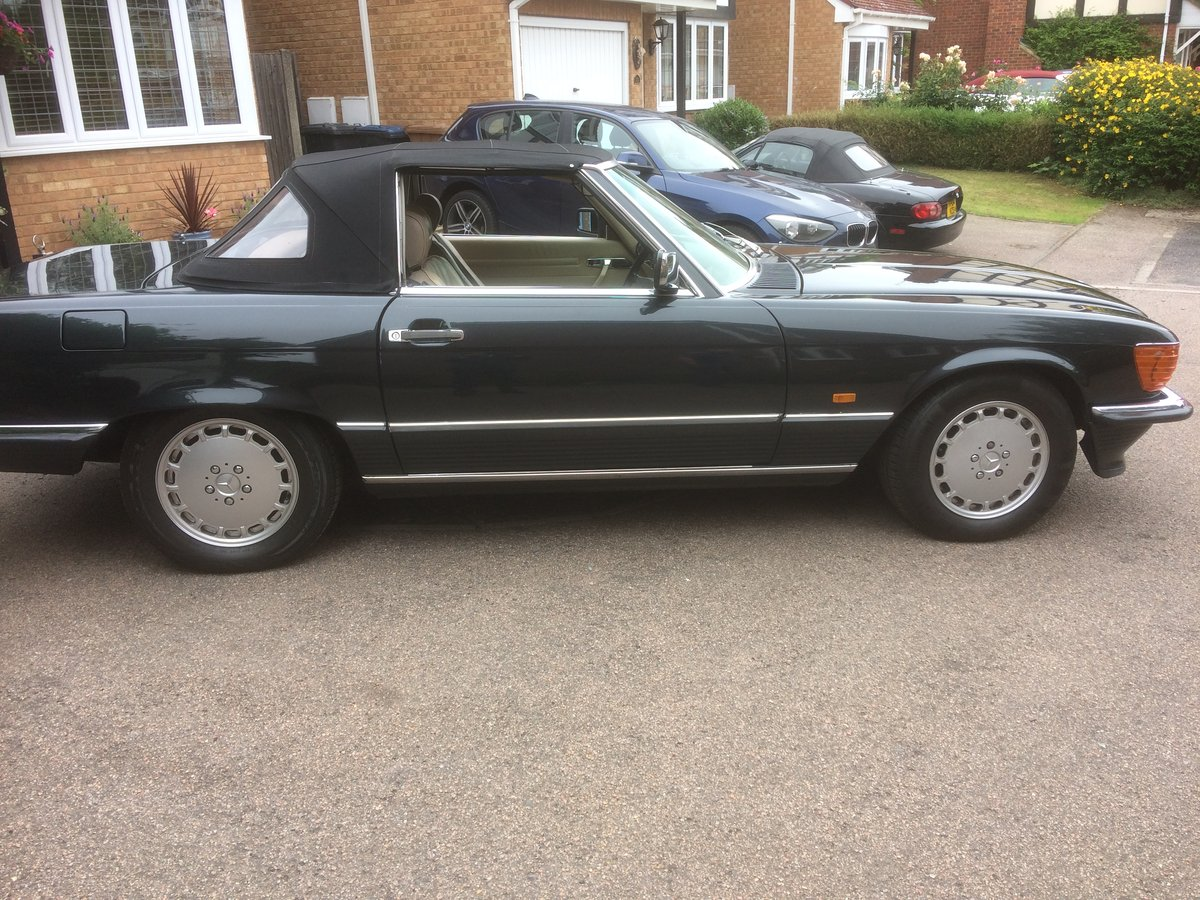1989 Mercedes SL hard top available extra cost For Sale (picture 2 of 6)