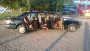 1991 Mercedes Benz w124 250 D 6 door lwb limousine For Sale