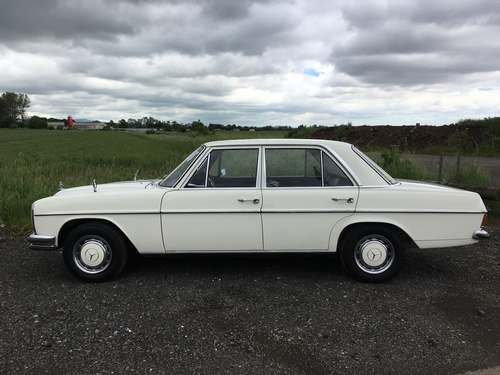 1972 Mercedes 250 at Morris Leslie Auction 17th August For Sale by Auction (picture 2 of 6)