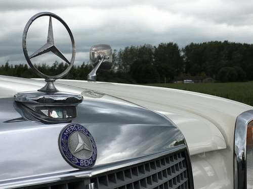 1972 Mercedes 250 at Morris Leslie Auction 17th August For Sale by Auction (picture 4 of 6)