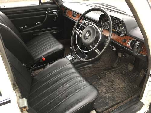 1972 Mercedes 250 at Morris Leslie Auction 17th August For Sale by Auction (picture 5 of 6)