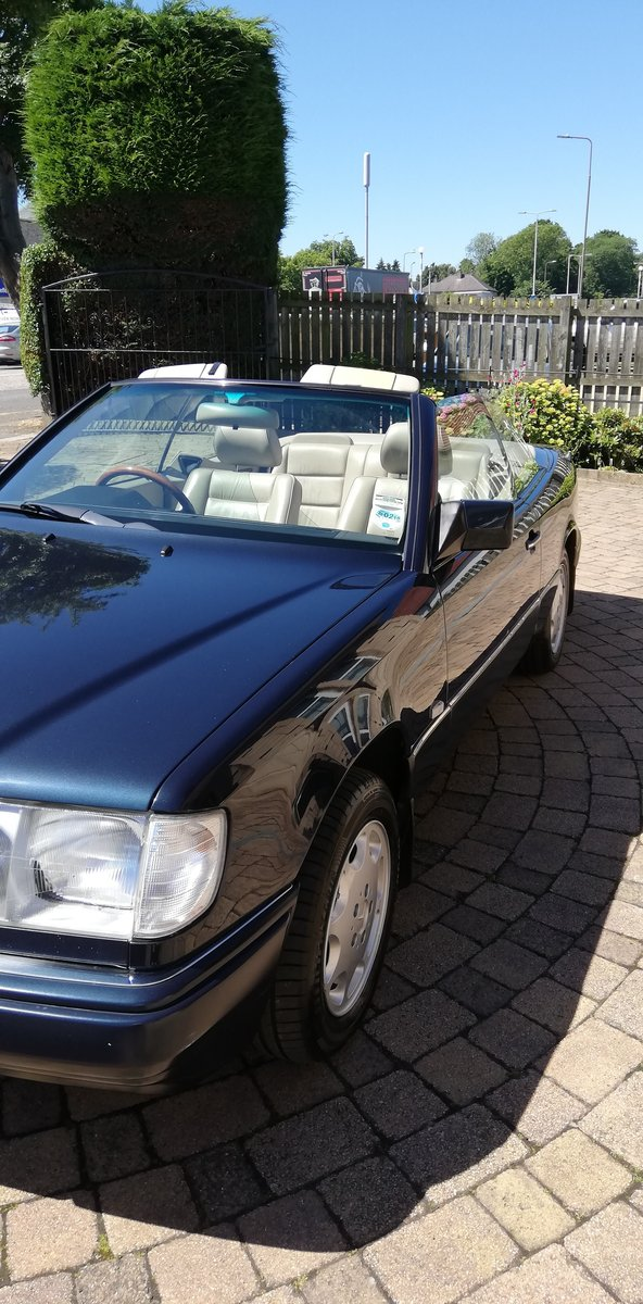 1996 Rare E Class Cabriolet in Excellent Condition For Sale (picture 4 of 6)