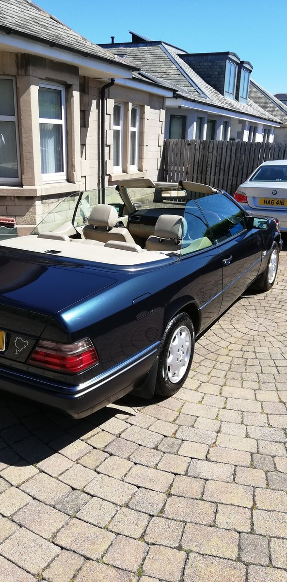 1996 Rare E Class Cabriolet in Excellent Condition For Sale (picture 5 of 6)