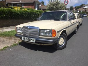 1983 Mercedes 230E Saloon W123 For Sale