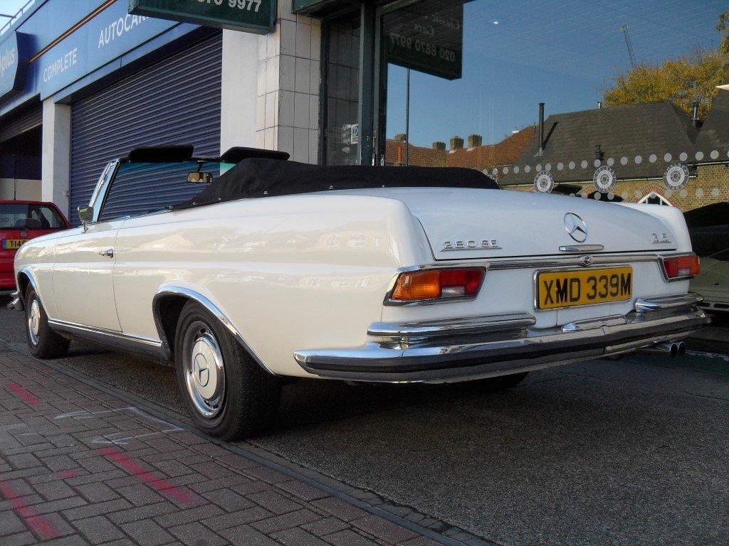 1974 Mercedes 280 SE 3.5 Cabriolet For Sale (picture 3 of 5)