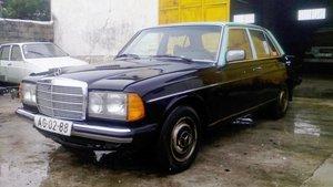 1982 Mercedes - Benz W 123