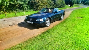 1999 Mercedes SL500 V8, FSH + Panoramic Roof For Sale
