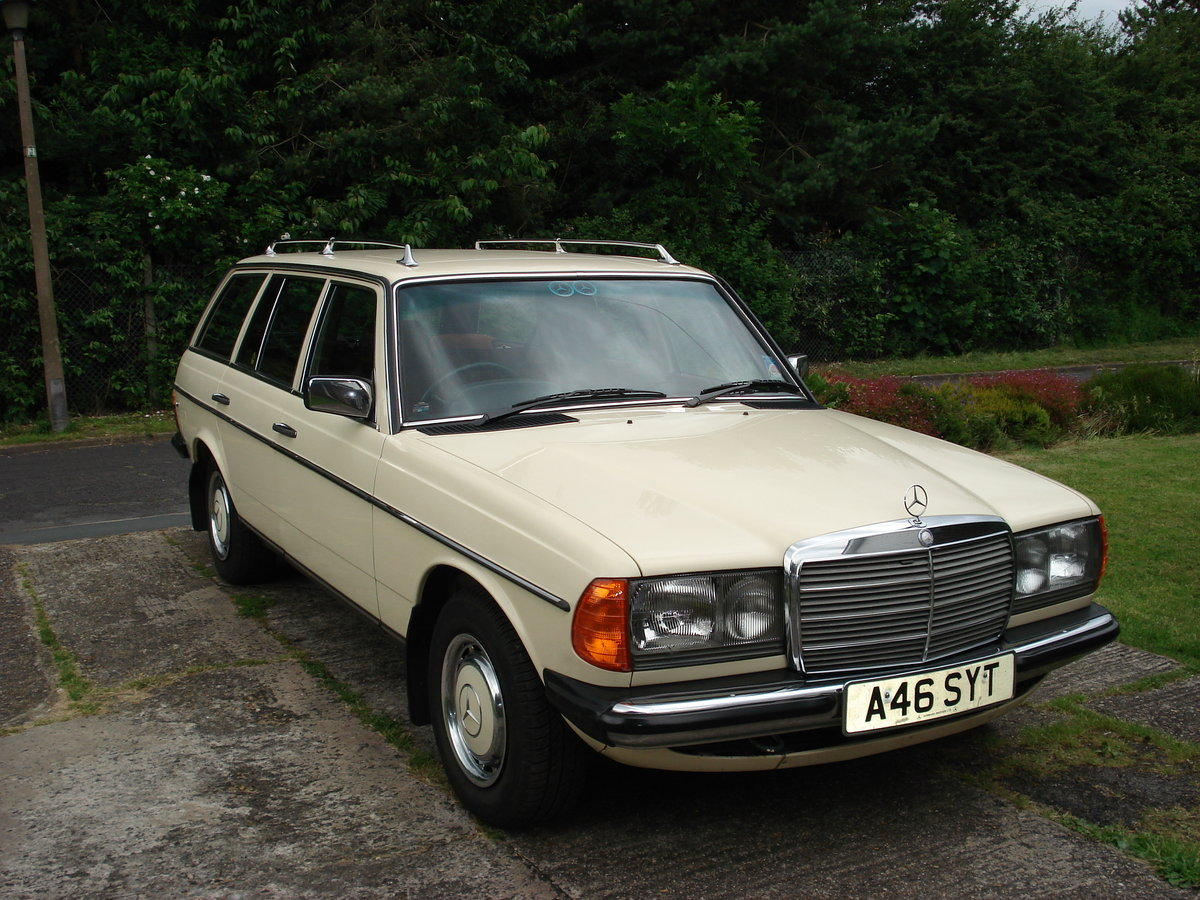 1983 Mercedes W123/200t buy me SOLD (picture 2 of 6)