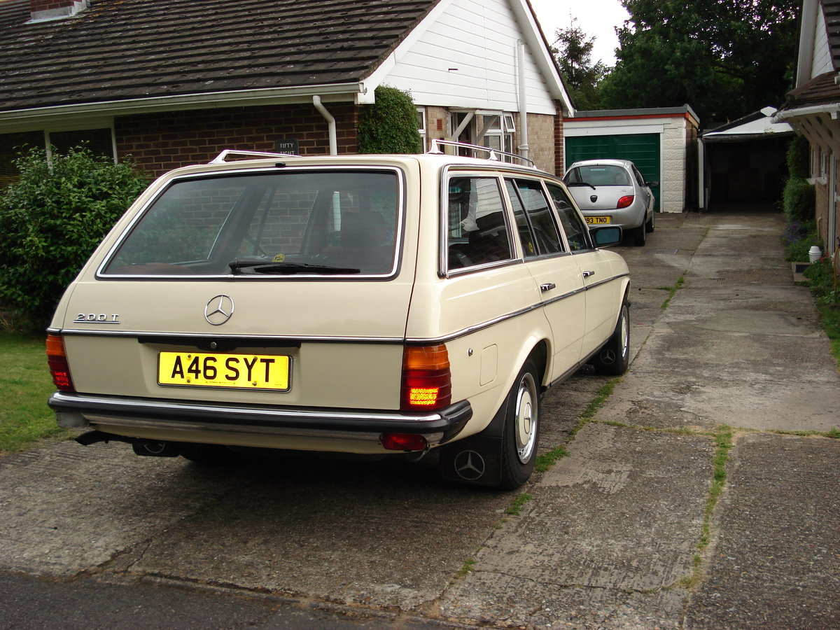 1983 Mercedes W123/200t buy me SOLD (picture 4 of 6)