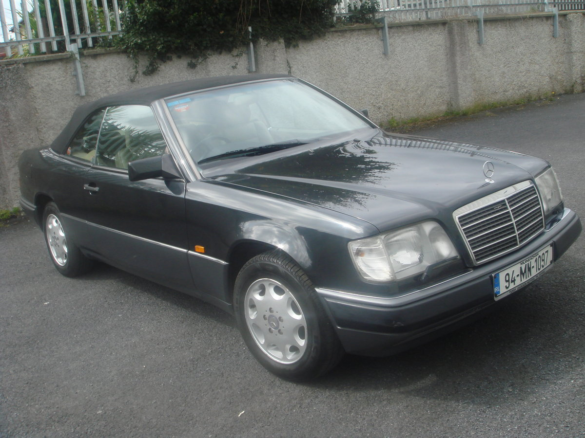 1994 Mercedes Benz E220 Cabriolet For Sale (picture 2 of 6)
