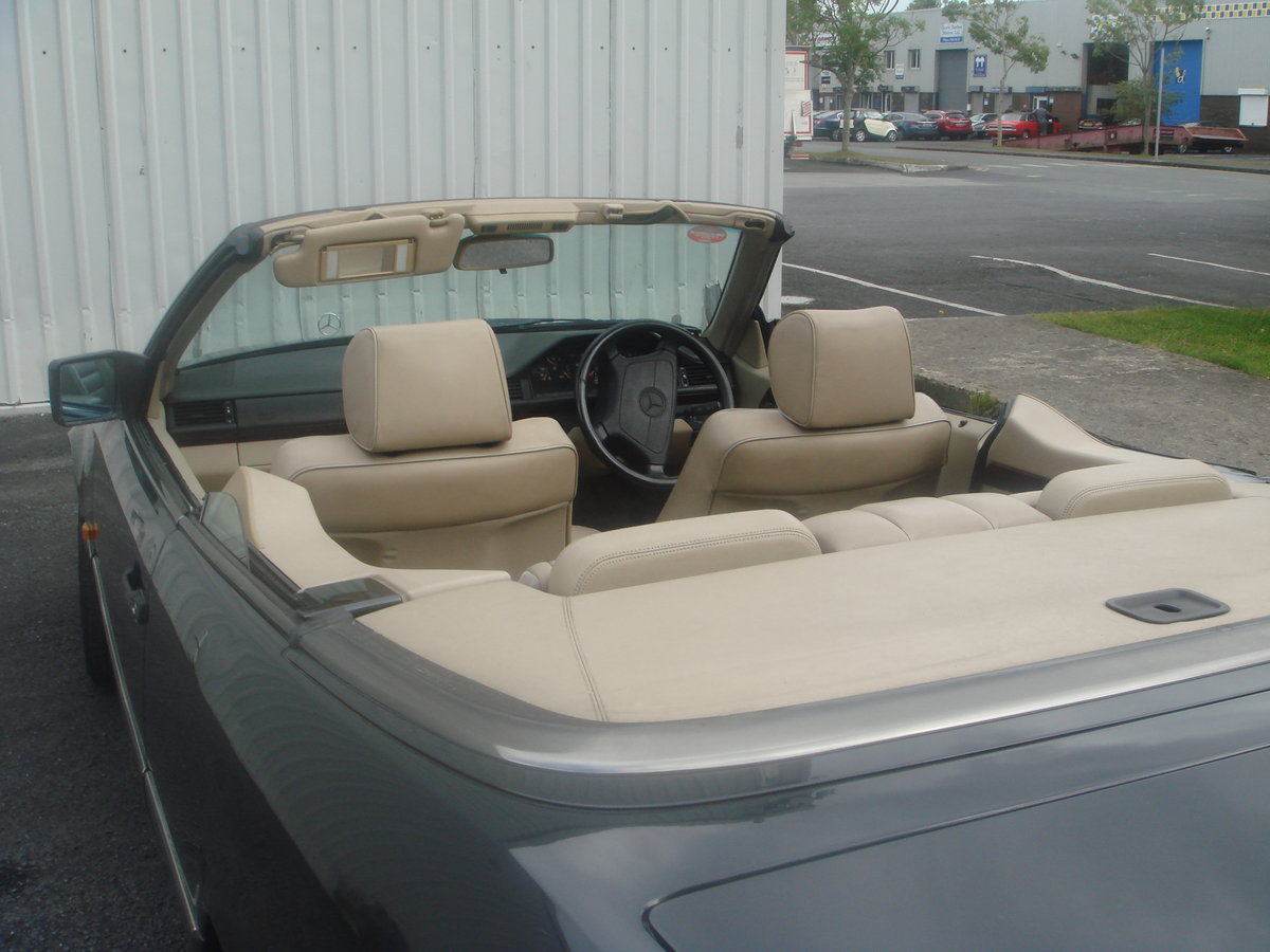 1994 Mercedes Benz E220 Cabriolet For Sale (picture 3 of 6)