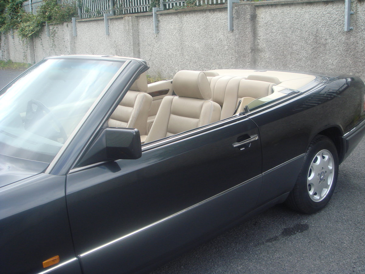 1994 Mercedes Benz E220 Cabriolet For Sale (picture 4 of 6)