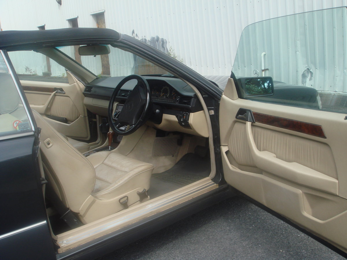 1994 Mercedes Benz E220 Cabriolet For Sale (picture 6 of 6)