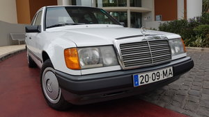 1991 MB 200E  RHD   38020 Kms  (23750 Mls)  from new For Sale