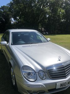 2008 Mercedes E Class AVANTGARDE - LOW MILEAGE!