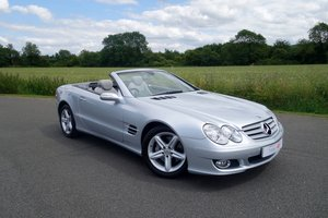 2006 Mercedes SL350 7G-Tronic - Low Mileage For Sale