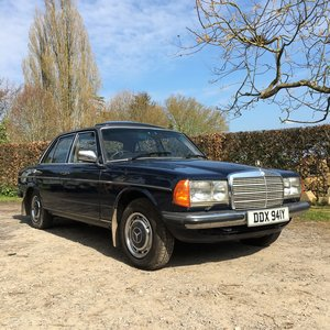 1983 Mercedes W123 300D Manual 5 Speed For Sale