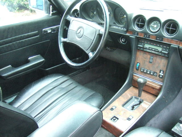 1986 107 series Mercedes 560SL Convertible LHD For Sale (picture 5 of 6)