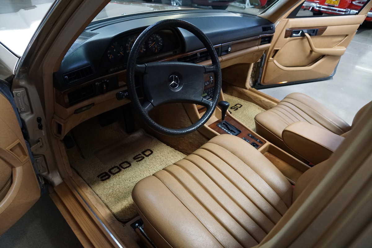 Orig CA Owner 1982 Mercedes 300SD Sedan with 82K orig miles For Sale (picture 5 of 6)