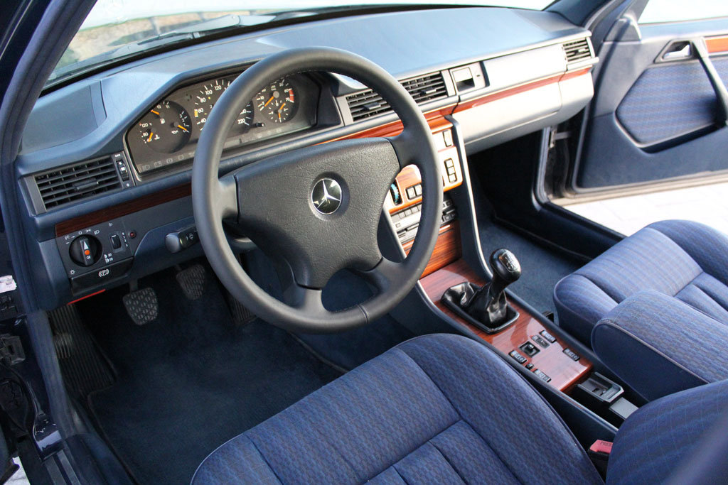 Mercedes Benz 230 TE 1992 For Sale (picture 3 of 6)