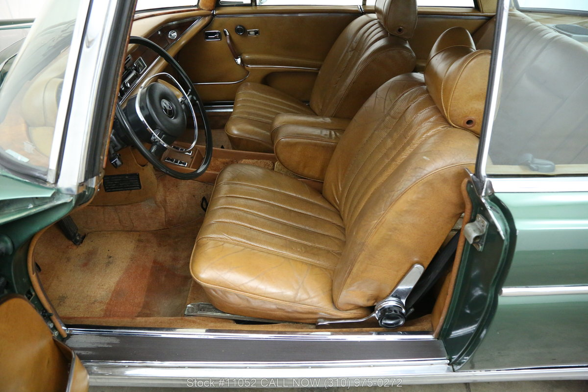 1971 Mercedes-Benz 280SE 3.5 Sunroof Coupe For Sale (picture 4 of 6)