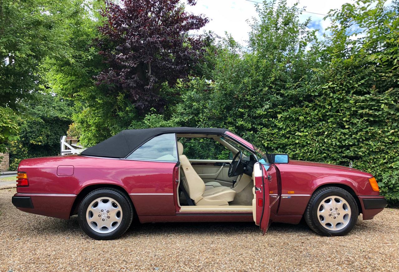 1993/L - Mercedes 320CE Cabriolet Sportline. 53k. FSH. E320  For Sale (picture 1 of 6)