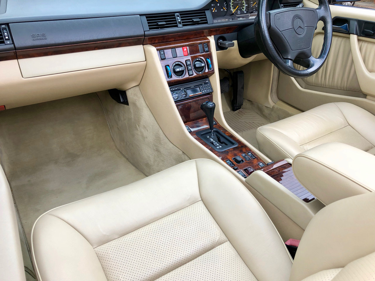 1993/L - Mercedes 320CE Cabriolet Sportline. 53k. FSH. E320  For Sale (picture 4 of 6)