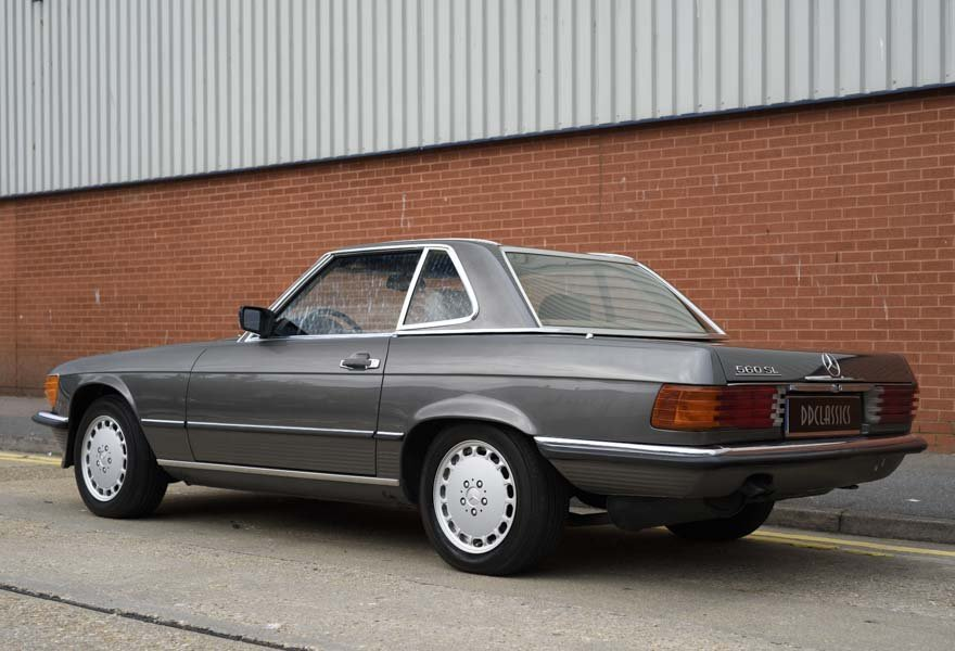 1987 Mercedes-Benz 560SL For Sale In London (LHD) For Sale (picture 4 of 12)