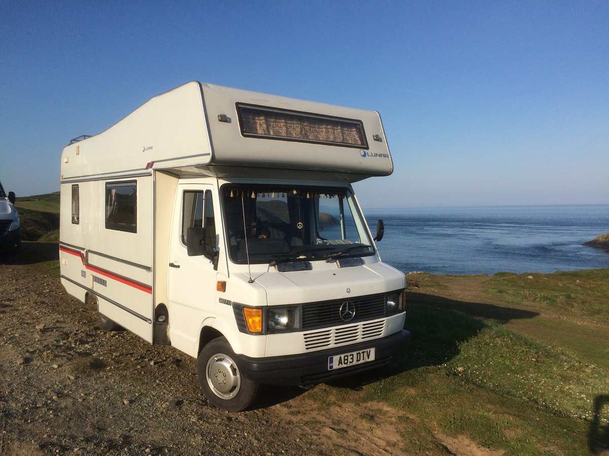 1984 Mercedes 207D motorhome / camper van For Sale (picture 2 of 6)