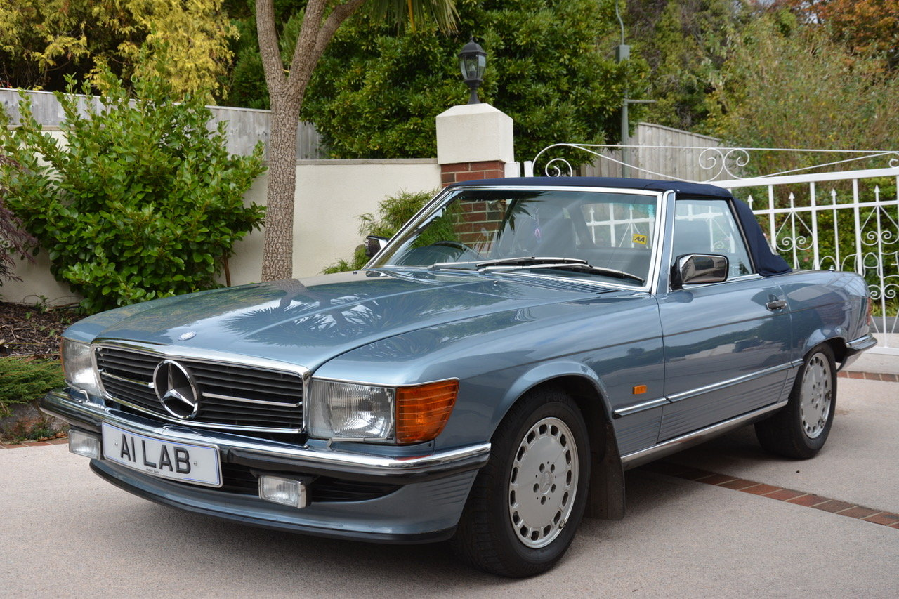 1988 Mercedes-Benz 300 SL (R107) For Sale (picture 1 of 6)