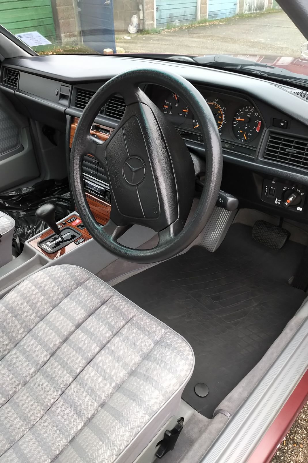 1992 Mercedes-Benz 190E, 12 Months MOT Lovely Cherished SOLD (picture 4 of 6)