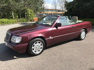 Lot 18 - A 1996 Mercedes-Benz E220 - 21/07/2019